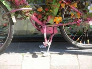 Asterdam - Bici, dettaglio cavalletto